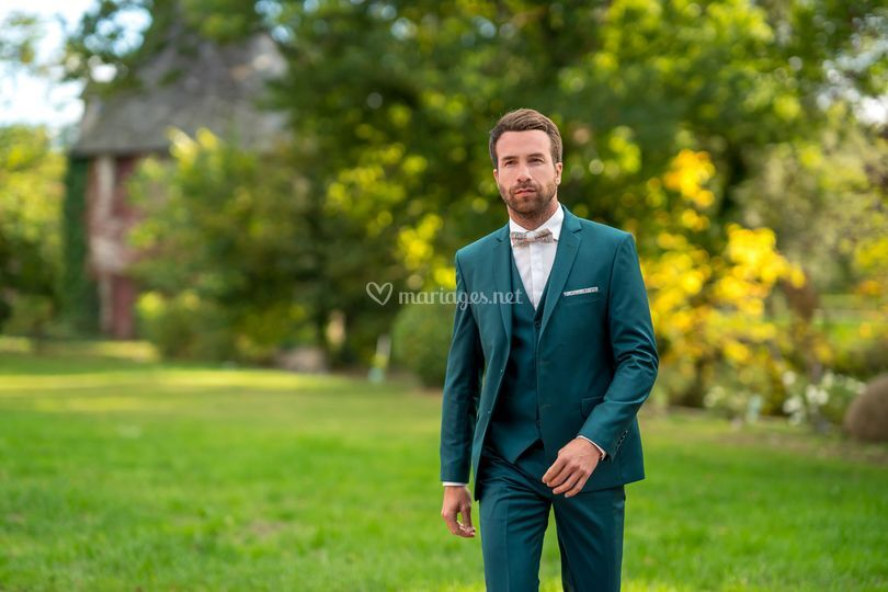 Costume tendance couleur vert