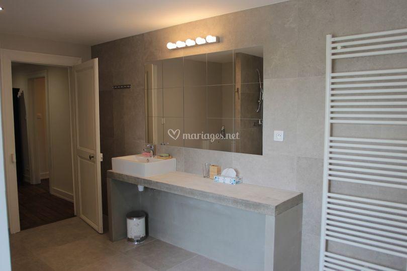 Salle de douche du manoir