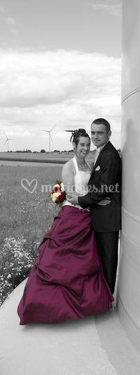 Mariés acec éolienne