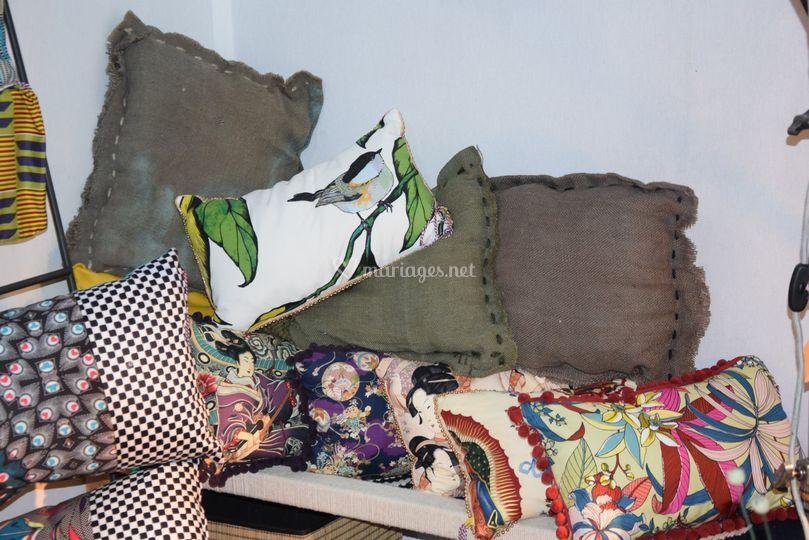 Coussins colorés ou design