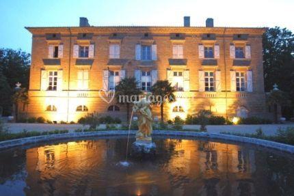 Château illuminé le soir