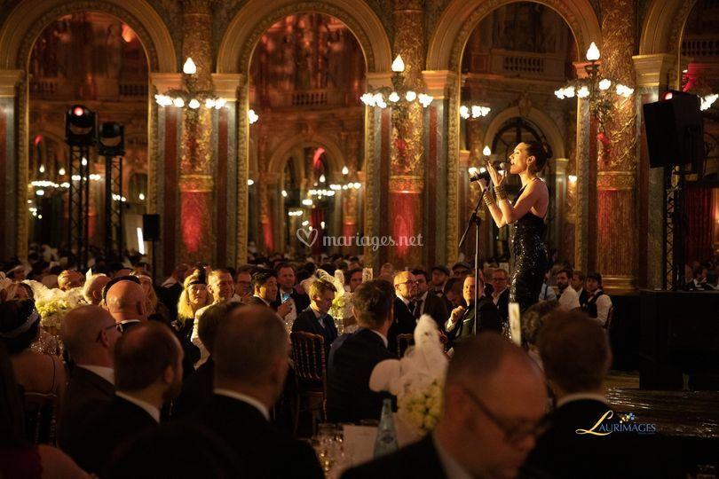 Chanteuse Grand Hotel