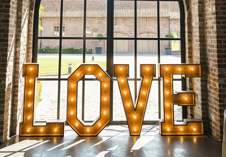 Lettre love lumineuse