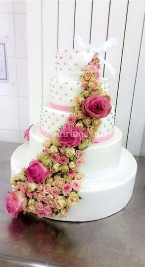 Wedding cake fleurs fraiches