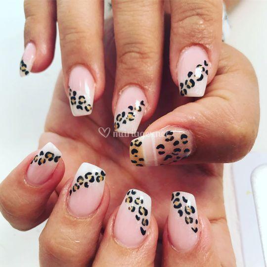 Nails Ambre