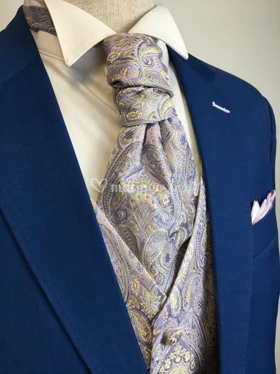 Costume bleu et mauve