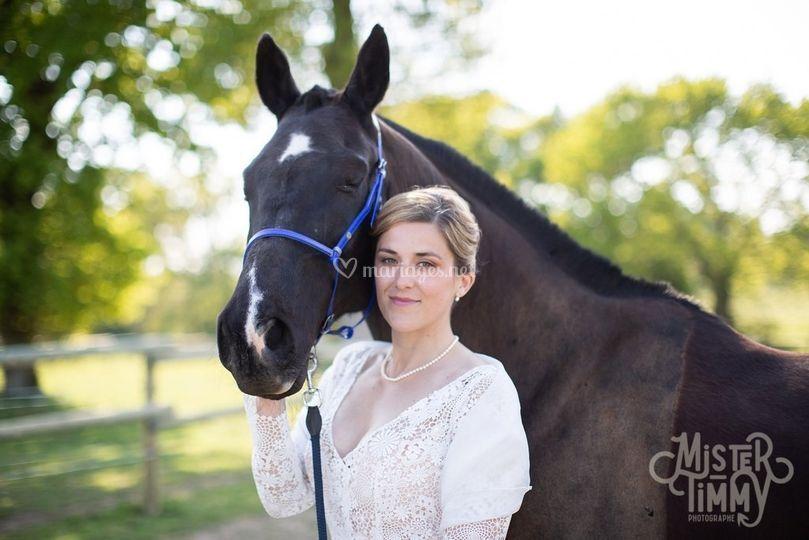 Photo mariée avec cheval