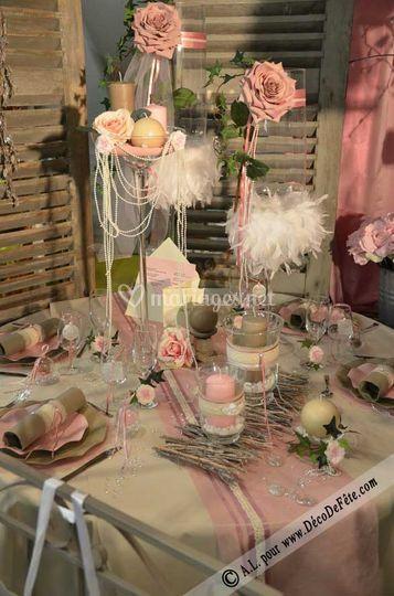 Déco table romantique rose den