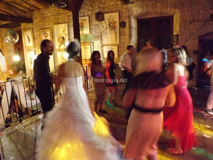 La mariée danse !