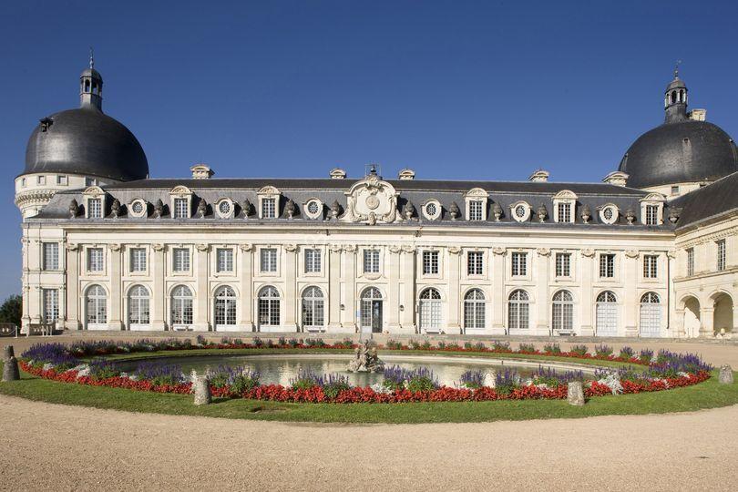 L Orangerie La cour d honneur 062abb854dc