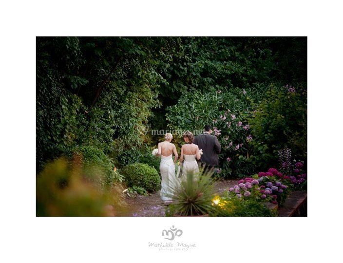 La mariée dans le parc