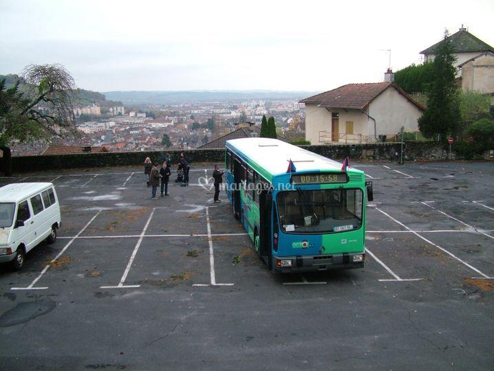 Le bus pour une occasion festive de l'association