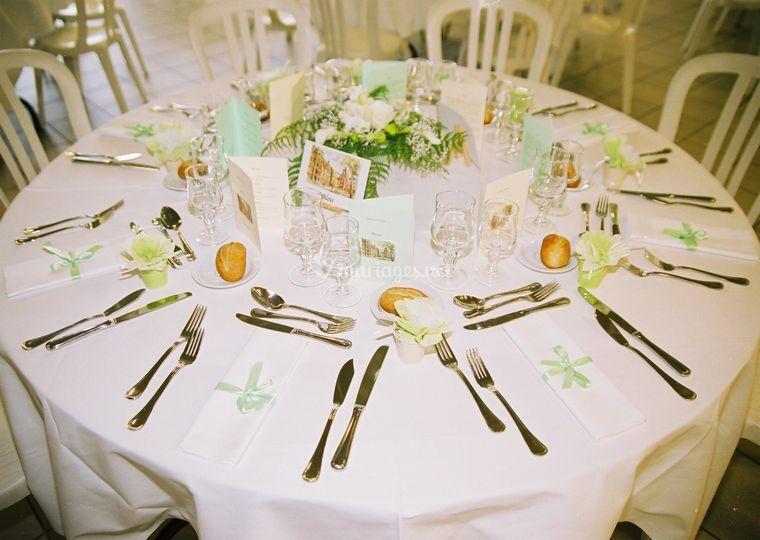 Table vert et blanc