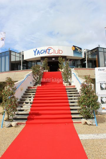 Yacht Club Tapis Rouge