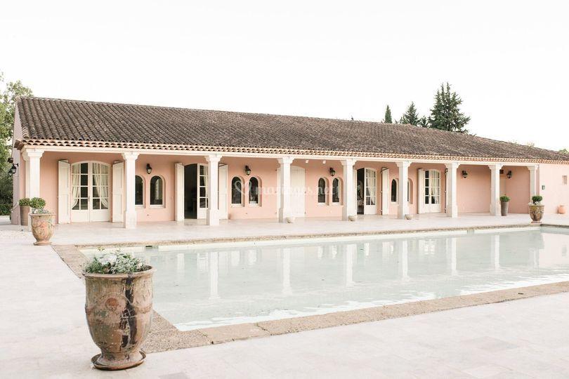 Le Pavillon et son bassin