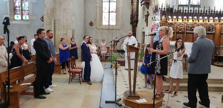 Chant d'église pour les mariés