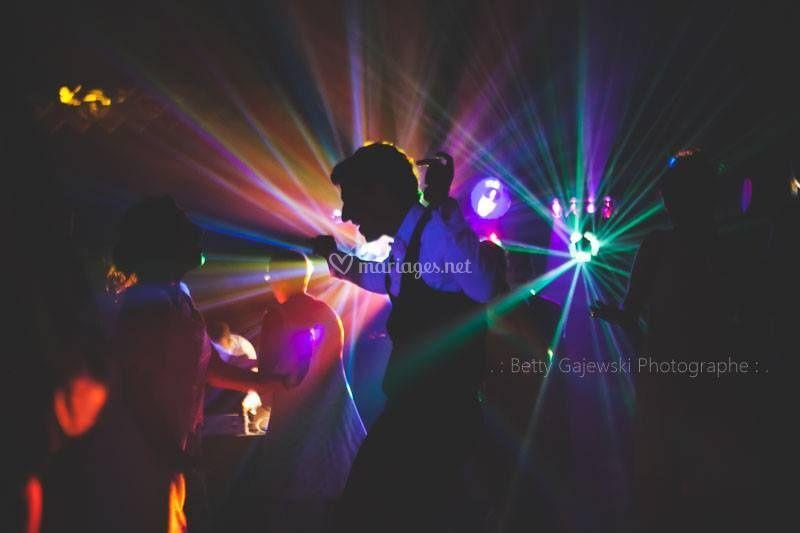 Le dance floor!!