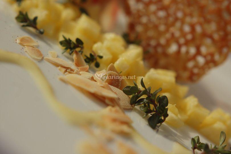 Brunoise d'ananas au thym