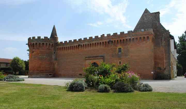 Le devant du château