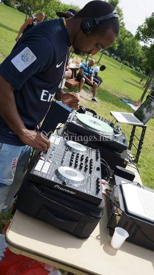 Mariage theme barbecue et foot
