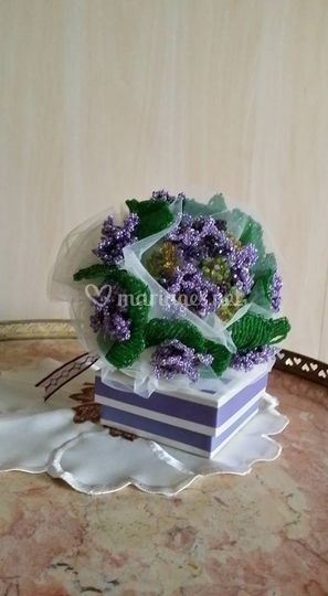 Bouquet avec des violettes