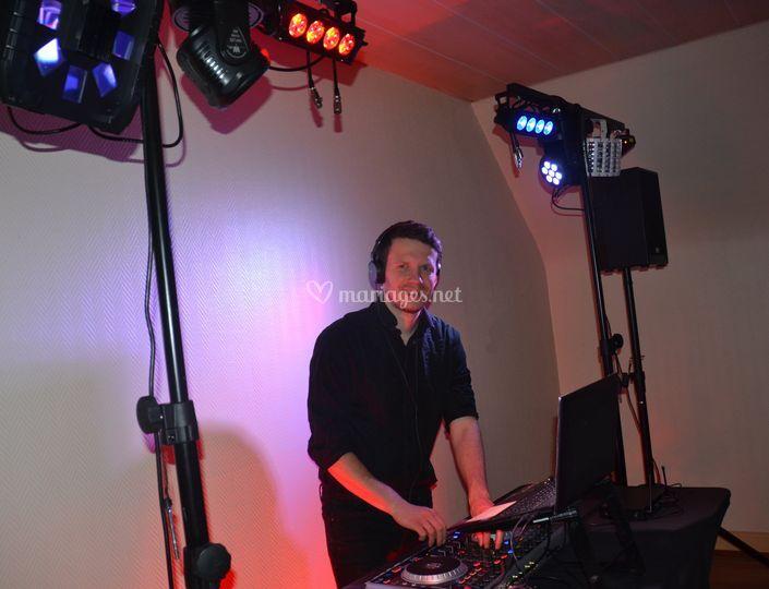 Option DJ