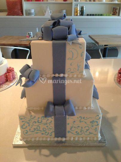 """Wedding cake """"lovely"""""""