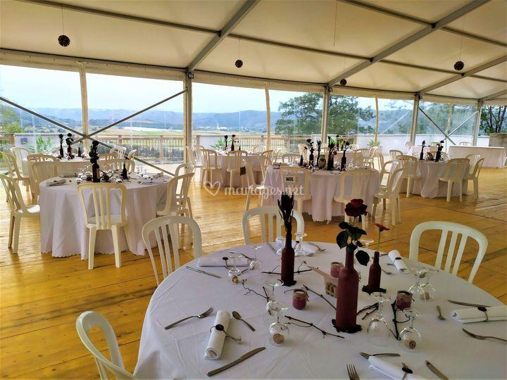 Chapiteau tables rondes