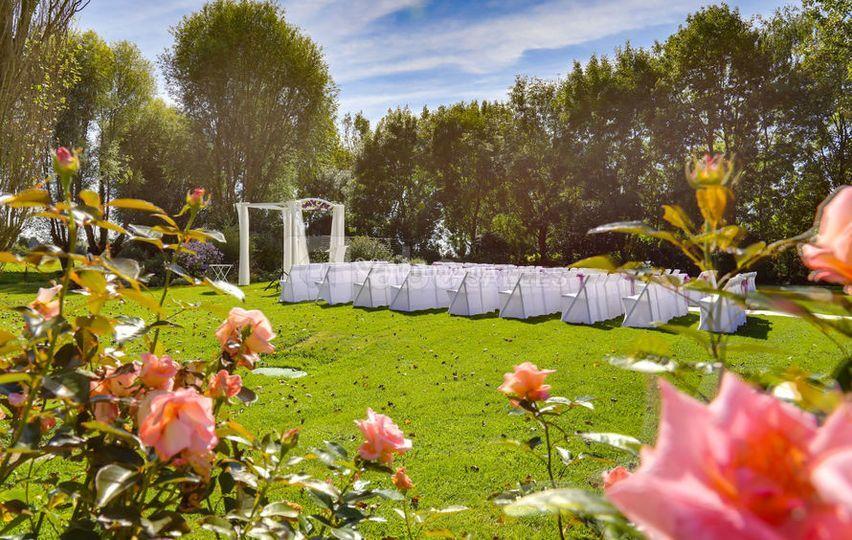 Cérémonie dans le jardin