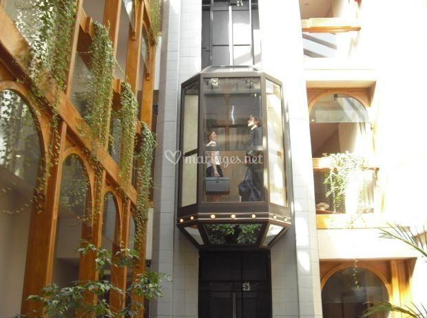 Ascenseur extérieur