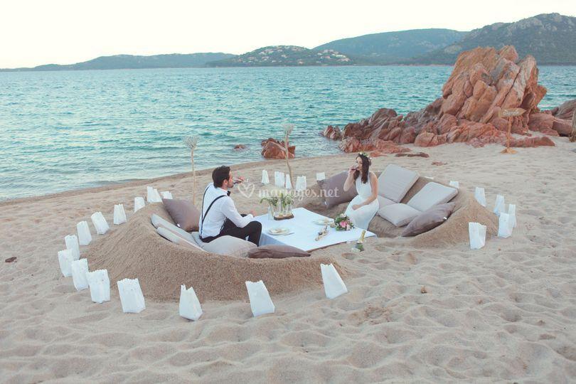 Table creusée dans le sable