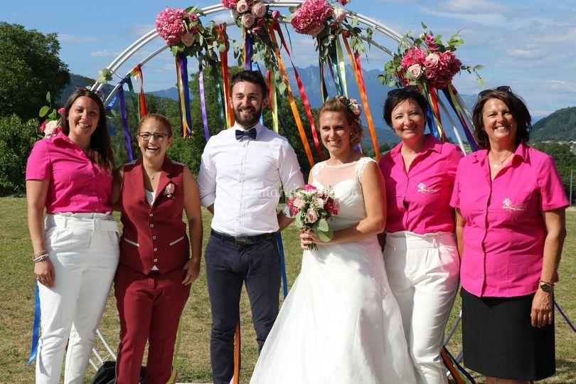 Toute la team avec les mariés