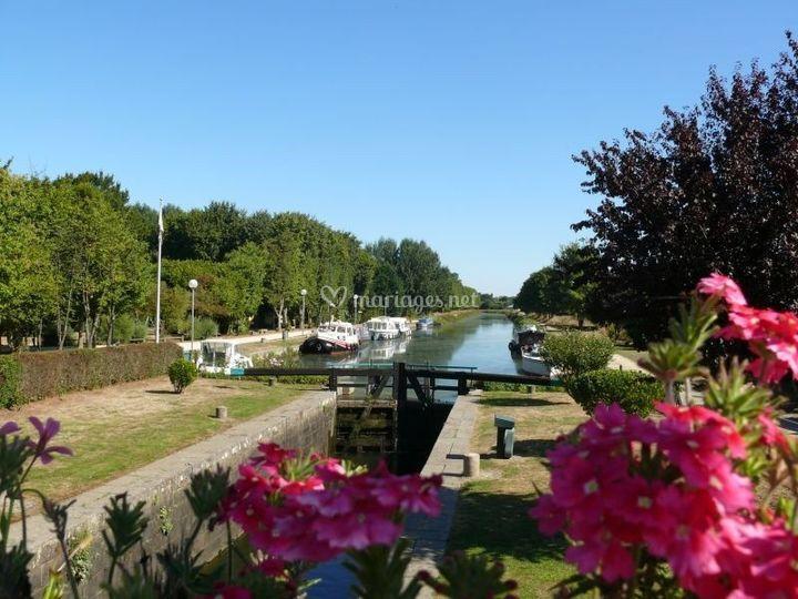 Le canal, à 100m