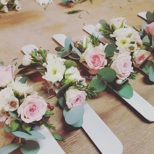 Bracelets floraux demoiselles