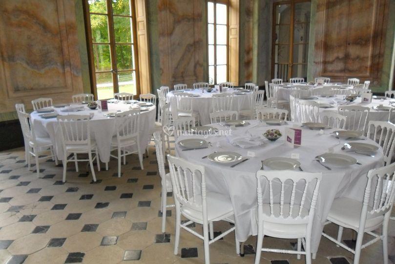 Salle du billard avec les tables