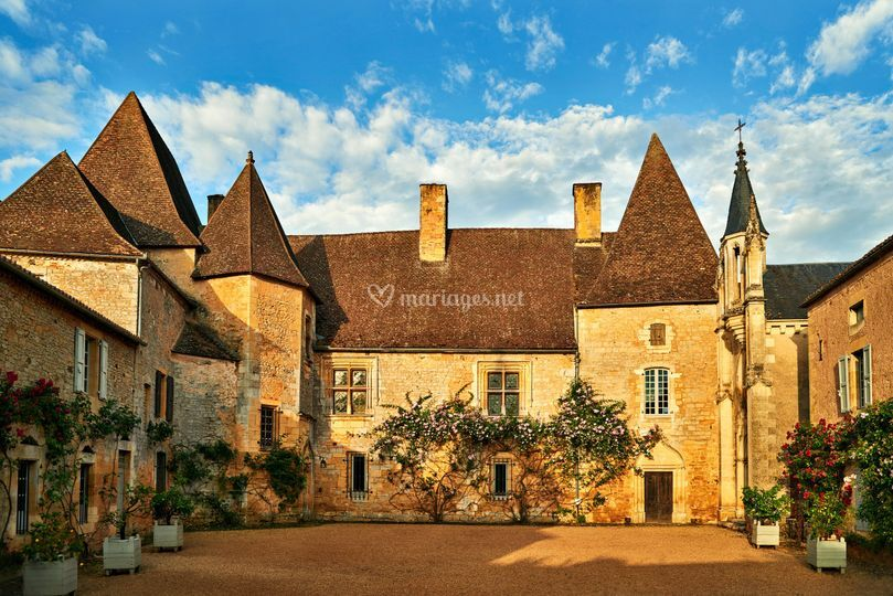 Le cour du chateau