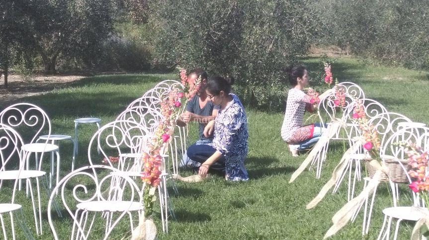Fleurir les chaises du parc