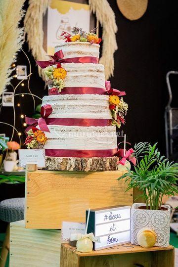 Naked cake fleurs séchées