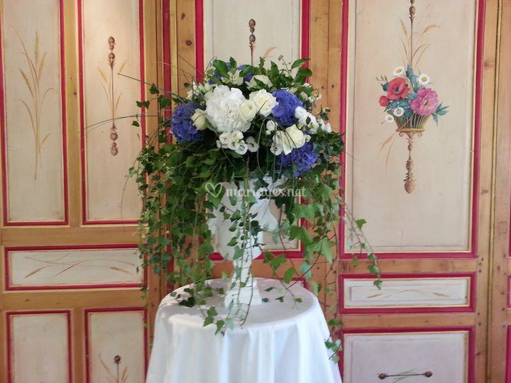 Vase Médicis fleuri hortensia