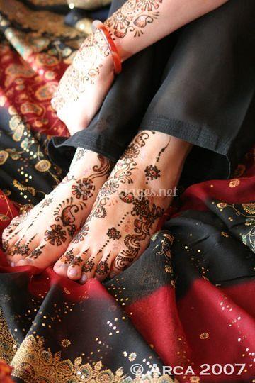 Tatouage au henné avec paillettes waterproof