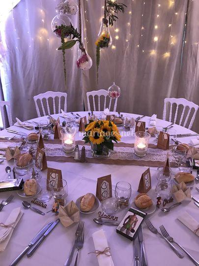 Décoration table fleurs 26/06