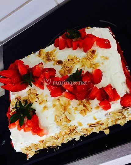 Dessert avec fraises