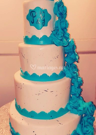Wedding cake bleu & blanc