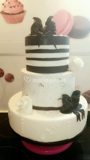 Wedding cake black & white