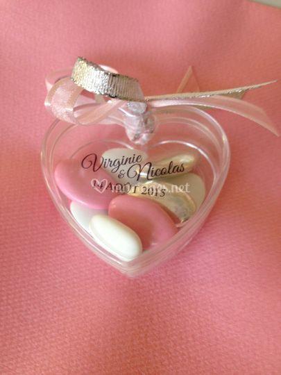 Coeur plexi plat et étiquette