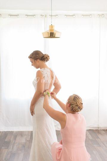 Enfilage robe mariée