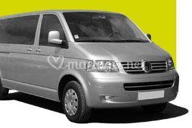 Minibus:  Wolkswagen Caravelle