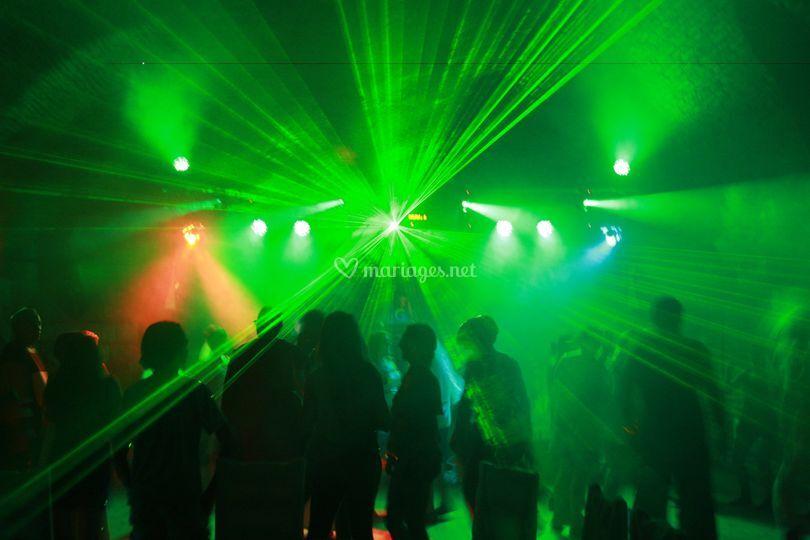 Puissant laser multi-couleurs