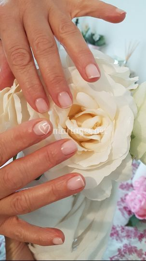 Ongles rosé naturel