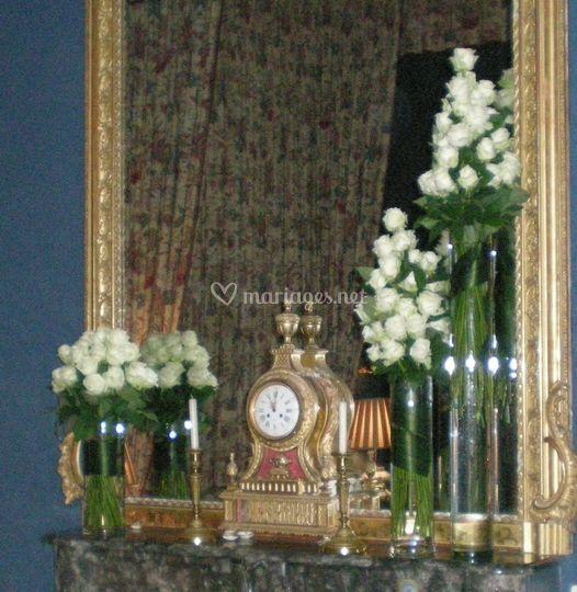 Vase de Roses Blanches